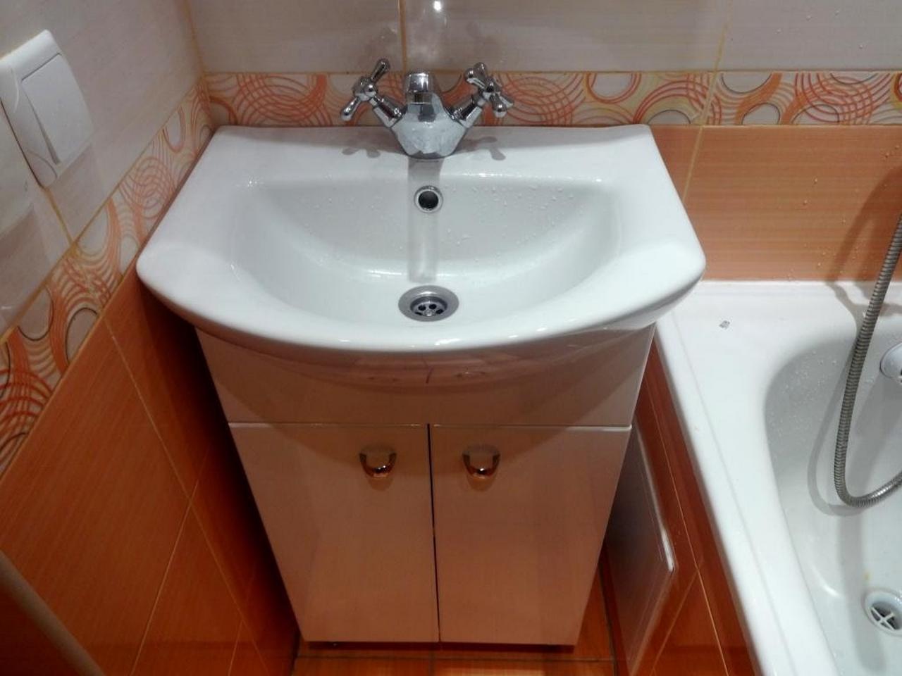 Установка тумбы в ванной комнате своими руками
